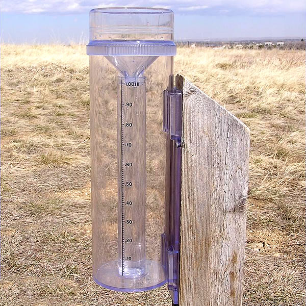 how to make a rain gauge with household items